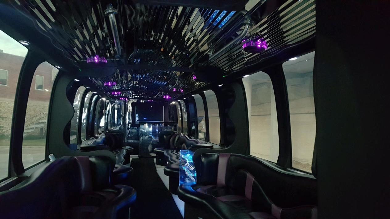 limo-coarch-bus-kc-3