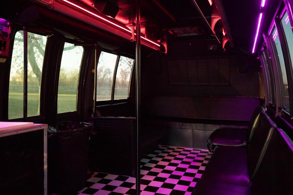 Orange Party Bus (Interior, Rear, Window Lighting)